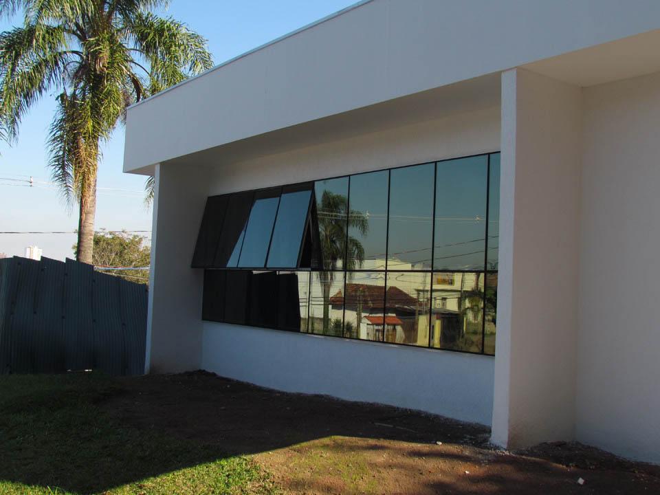 PELE DE VIDRO CEMITÉRIO JOÃO XVIII